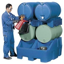 Z6. Tap- en opslagstation voor 4 vaten van 200 liter.